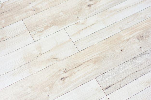 白い無垢床